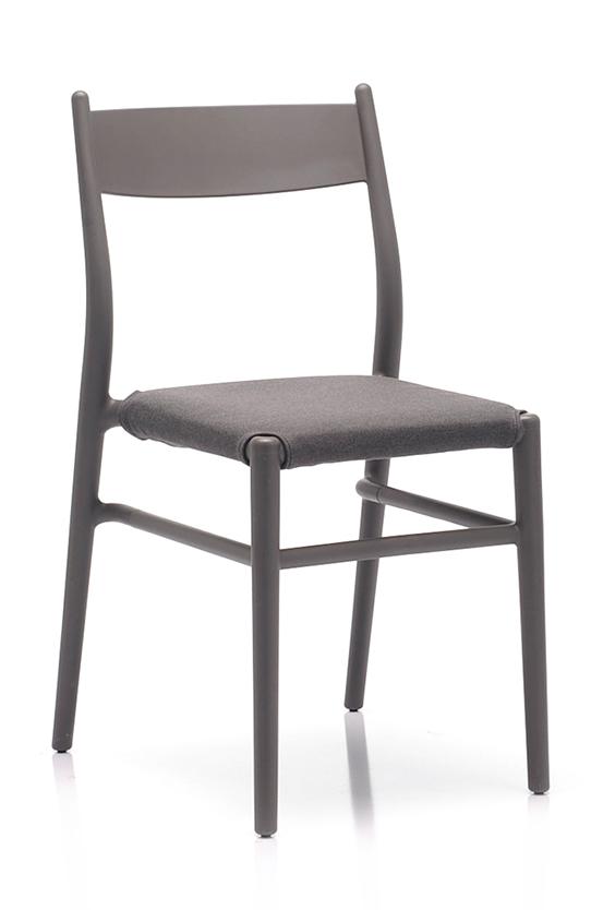 Abbildung Stuhl Twenty Schrägansicht
